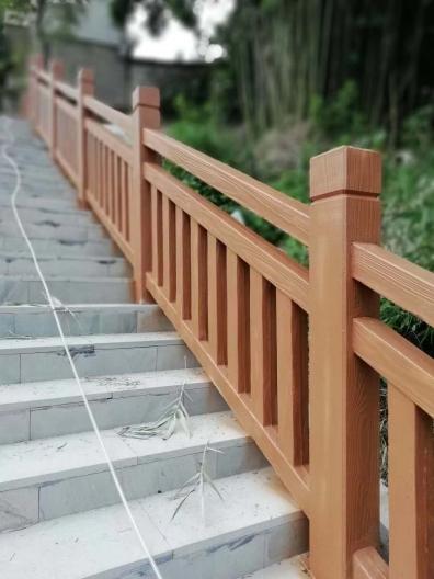 仿木护栏的优势有哪些