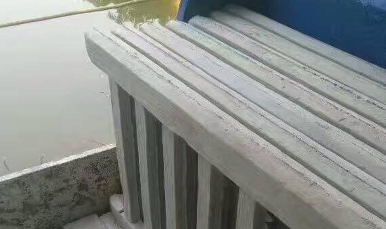 仿木围栏安装