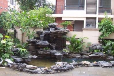 假山流水喷泉